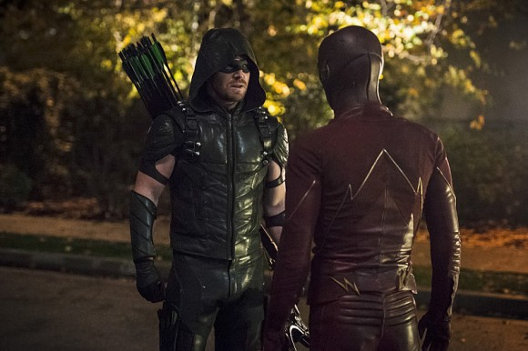 "The Flash -- ""Legends of Today"" -- Image FLA208B_0258b.jpg -- Pictured (L-R): Stephen Amell as The Arrow and Grant Gustin as The Flash -- Photo: Cate Cameron/The CW -- © 2015 The CW Network, LLC. All rights reserved."