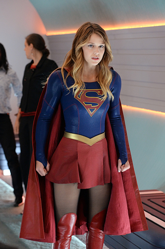 supergirl-episode-4-how-does-she-costume