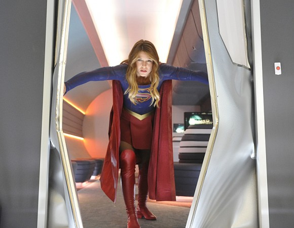 supergirl-episode-4-how-does-she-door