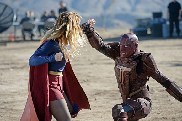 supergirl-episode-red-faced-fight