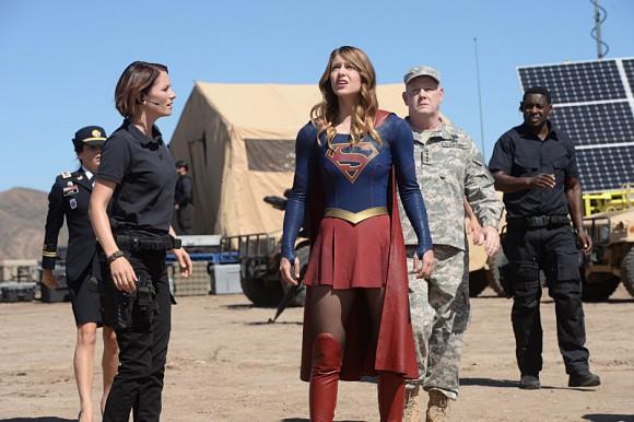 supergirl-episode-red-faced-training