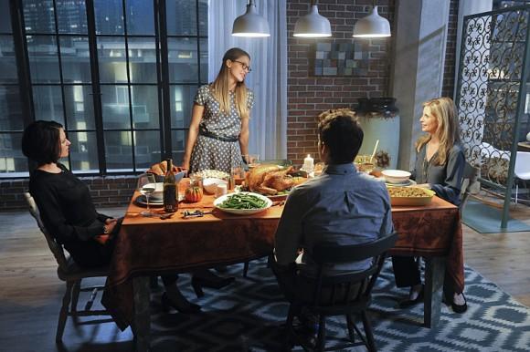 supergirl-livewire-episode-thanksgiving