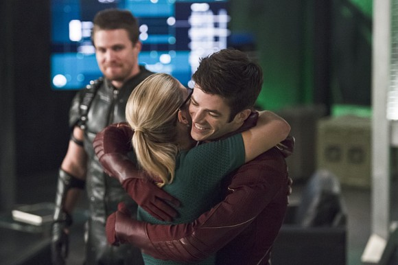 the-flash-crossover-legends-of-today-huggs-barry-felicity