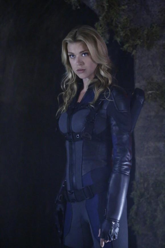 agents-of-shield-maveth-finale-episode-costume-mockingbird