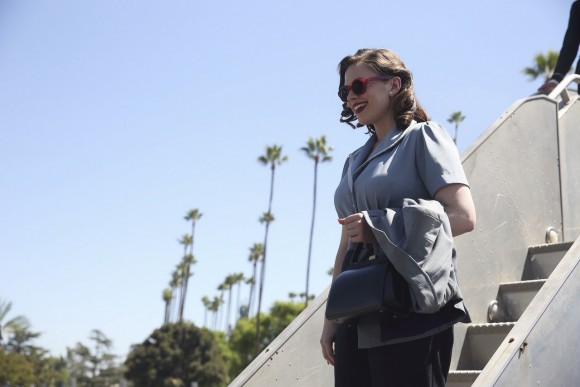 agent-carter-episode-1-season-2-lady-lake-arrival