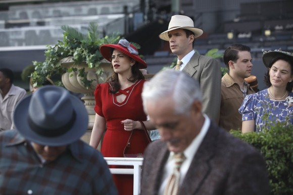 agent-carter-episode-1-season-2-lady-lake-red