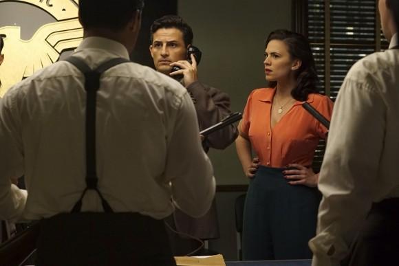 agent-carter-episode-season-smoke-mirrors-phone