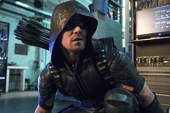 arrow-episode-unchained-costume