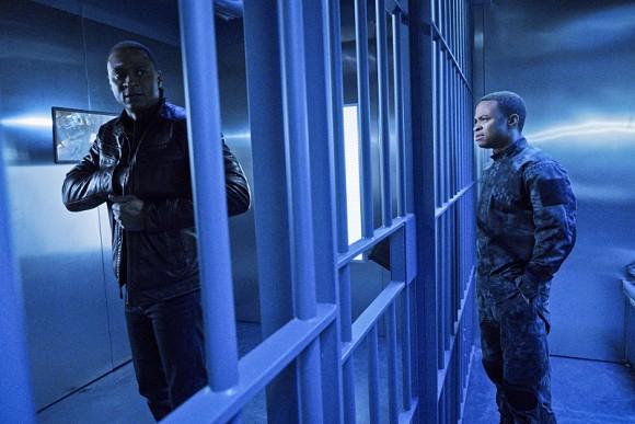 awol-arrow-episode-stills-prison