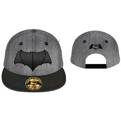 batman-v-superman-tshirt-casquette