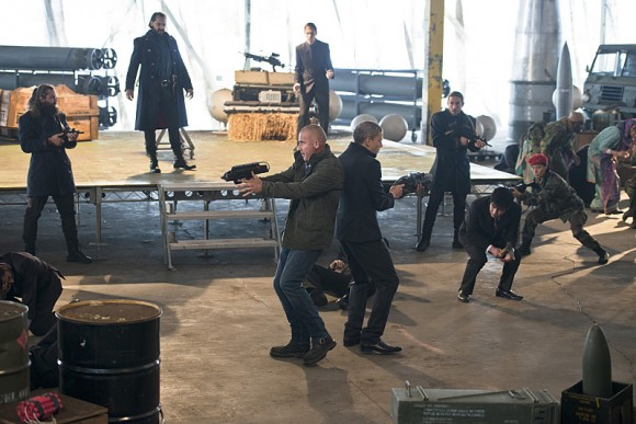 legends-of-tomorrow-pilote-part-2-fight