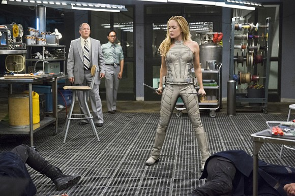 legends-of-tomorrow-pilote-part-2-white-canary
