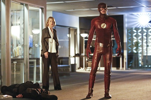 the-reverse-flash-returns-episode-stills-barry