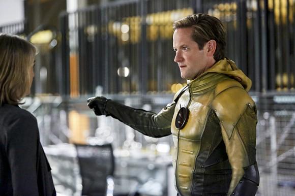 the-reverse-flash-returns-episode-stills-eobard
