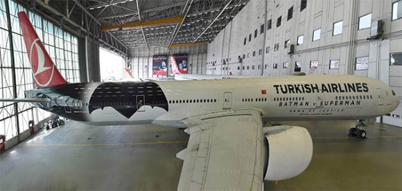 turkish-airlines-batman-superman-avion