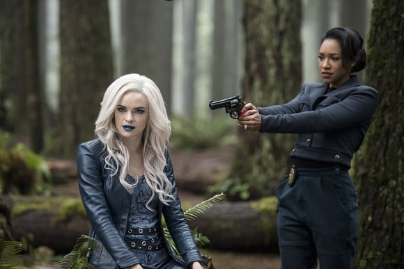 the-flash-escape-from-earth-killer-frost