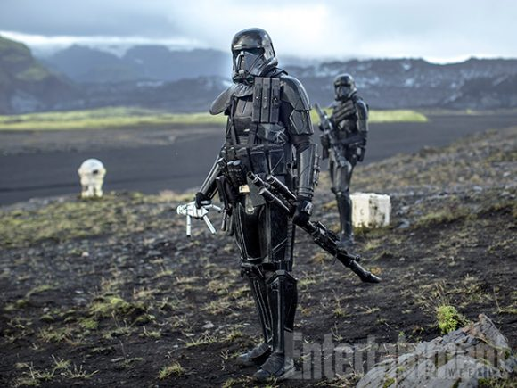 rogue-one-star-wars-stormtrooper-doll