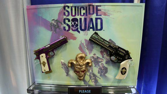 suicide-squad-comic-con-accessoires