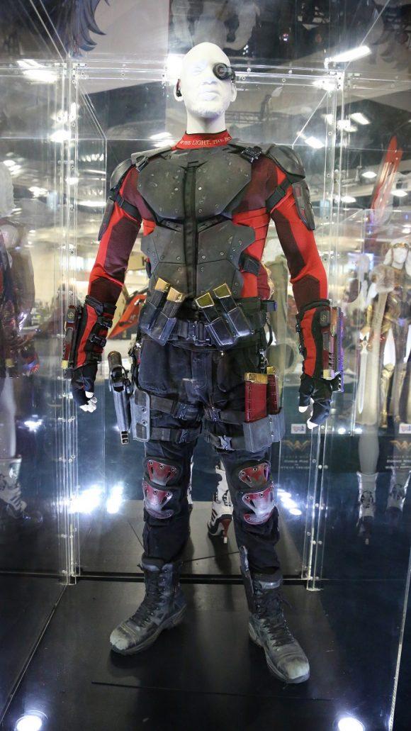 suicide-squad-comic-con-costume-deadshot
