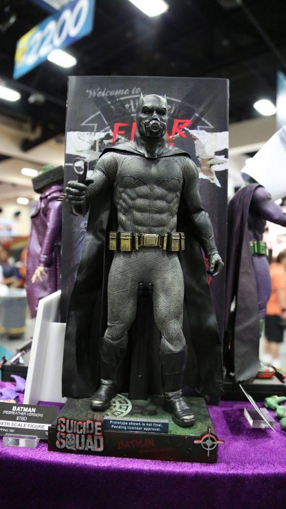suicide-squad-comic-con-figurine-batman