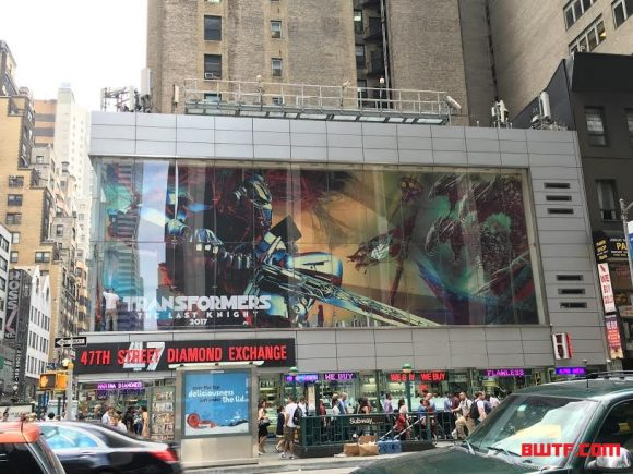 transformers-last-knight-billboard-nyc